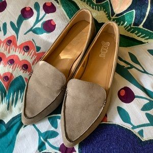 Grey Point Toe Loafers by Brash | Good Condition